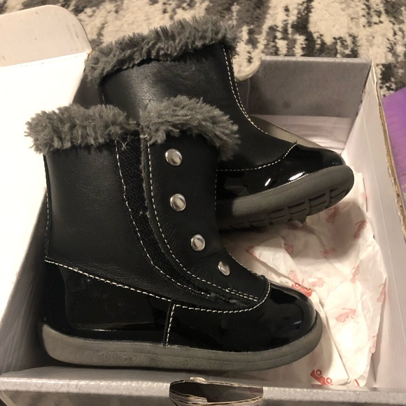 girls boots size 5